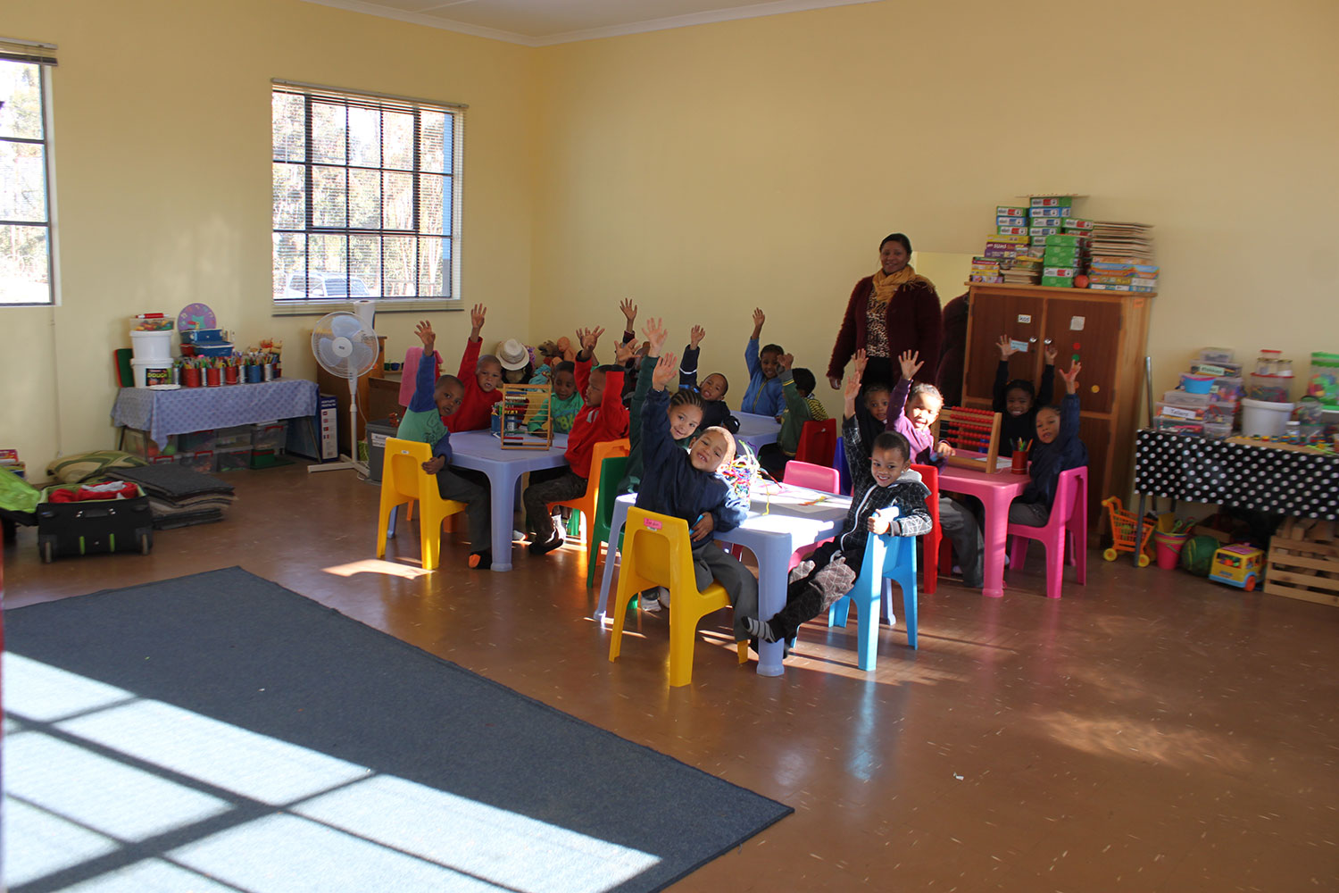 Read more about the article NEW CLASSROOM BUILT FOR THE MATJIESRIVIER NGK PRIMARY SCHOOL AS A CONTRIBUTION FROM THE DST-NRF CIMERA KARIN PROJECT